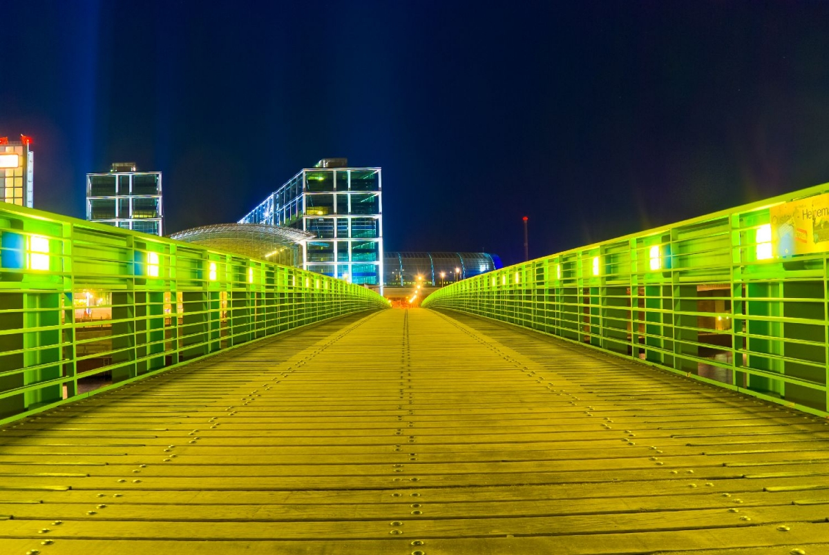"Wallprint ""bridge to spacestation"""
